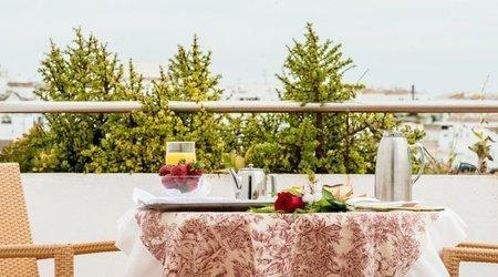 Petit-déjeuner avec vue Hotel ATH Al-Medina Wellness